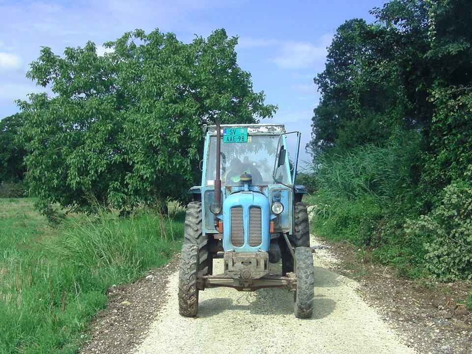 Traktor obrazovne ustanove izbacio osoku i tečno gnojivo! - jul 2018