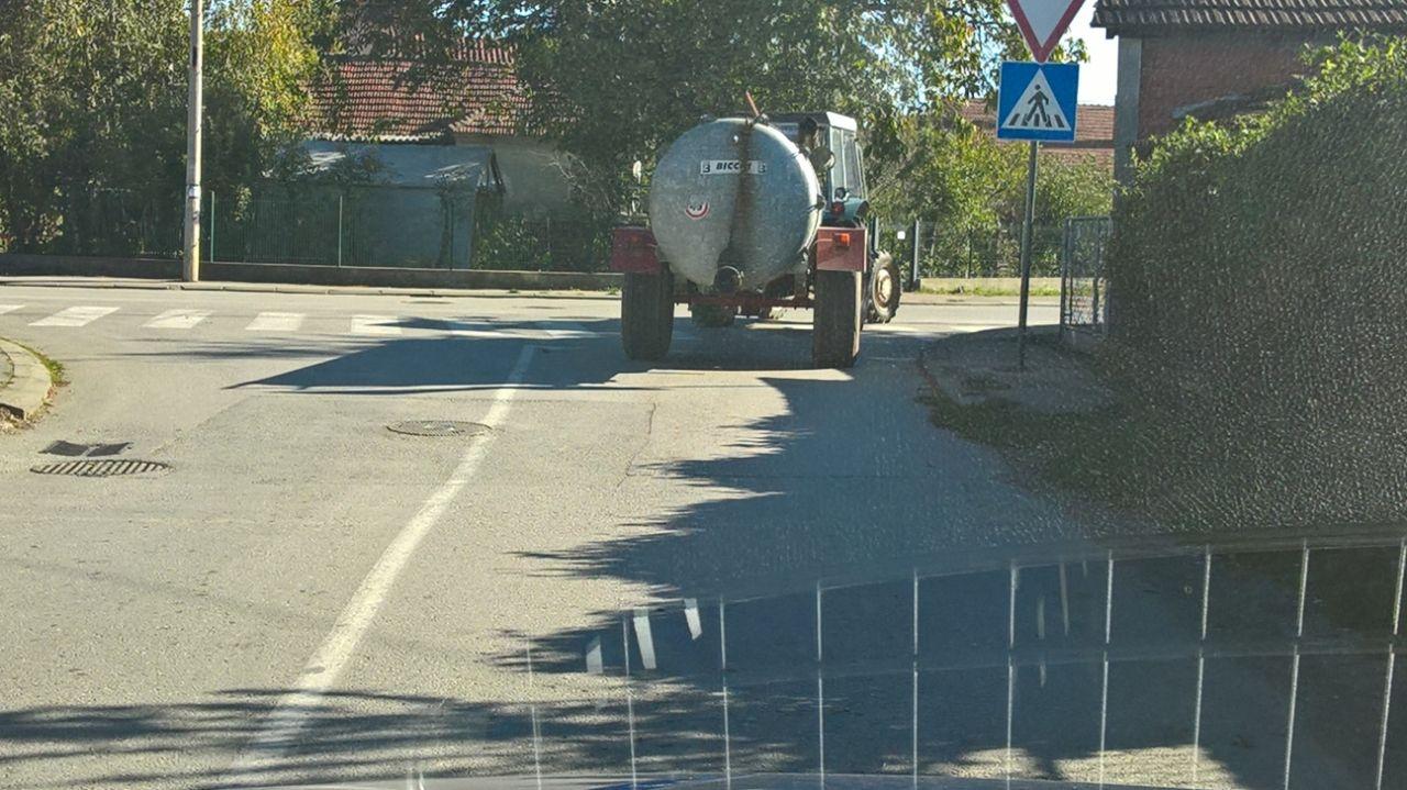 """Traktor izbacio opasan otpad i vraća se u """"bazu"""" - oktobar 2018"""